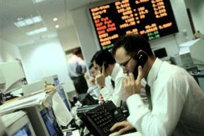 stock-broker-2